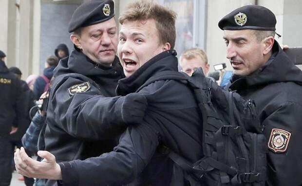 Исраэль Шамир: Протасевич начал «петь» всего через несколько часов после задержания