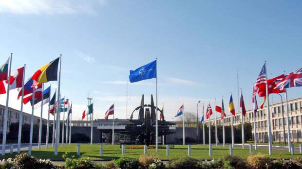 Прага предложила НАТО обсудить принятие возможных мер в отношении России