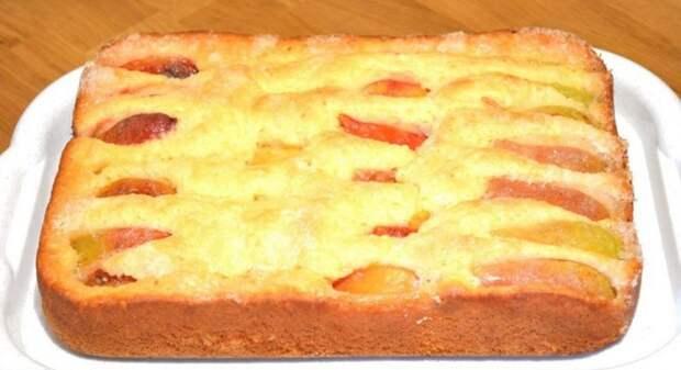 Рецепт вкуснейшего пирога с фруктами за 10 минут. Плюс время на выпечку