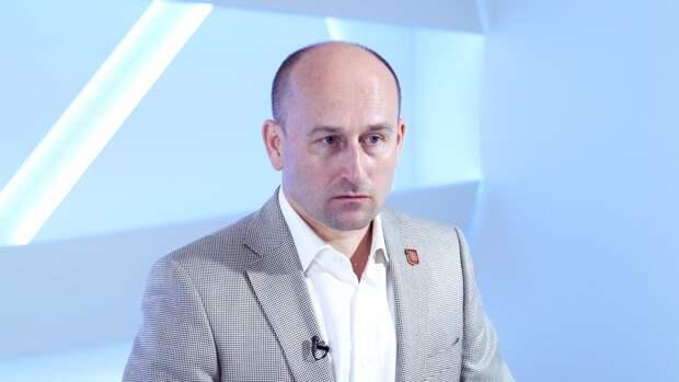 Стариков отметил падение популярности ФБК после посадки ведущего «актера» Навального