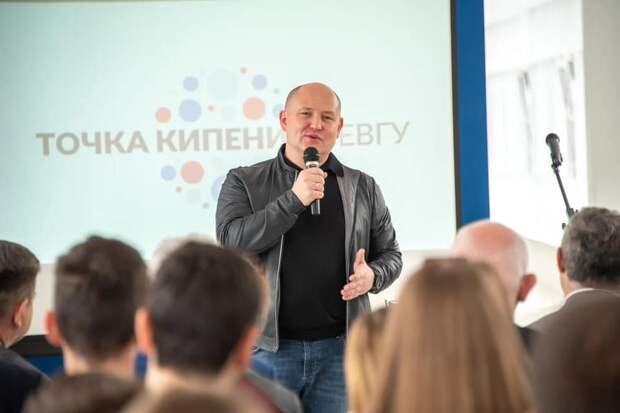 Губернатор Севастополя закрыл аккаунт на Facebook из-за украинских гадостей