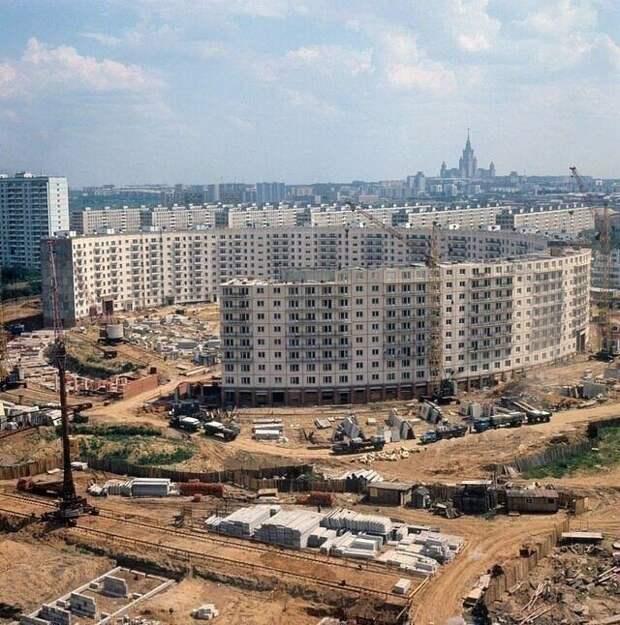 Строительство круглого дома в Москве, 1972 год