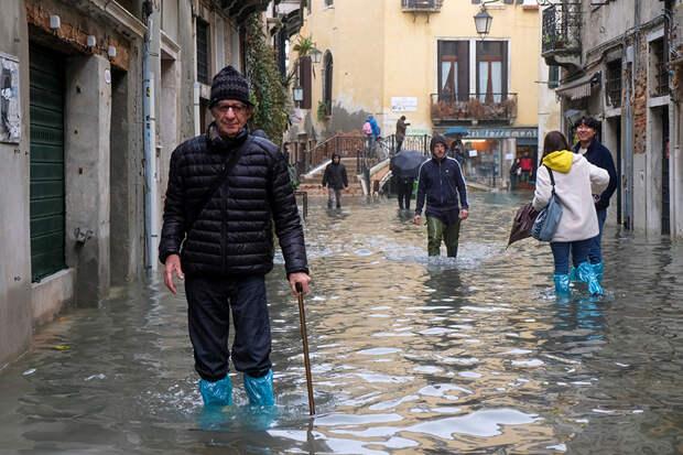«Апокалиптическое бедствие»: власти Венеции оценили ущерб от наводнения