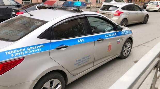 Автоинспекторы в Петербурге начали ловить водителей с бутафорскими номерами
