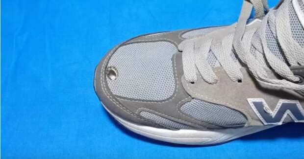 Как незаметно и просто отремонтировать обувь: отличный способ