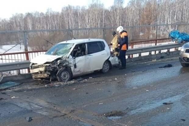 Двое россиян погибли в ДТП под Новосибирском