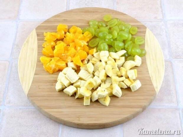 Подготовить фрукты. Банан