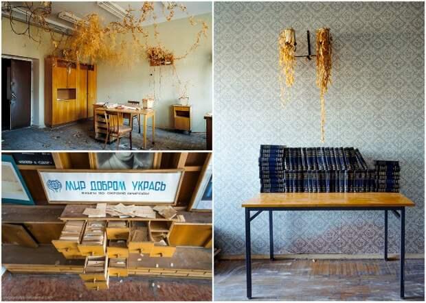 Библиотека в поселке. Книги почти все разграбили вандалы (Поселок Пирамида, Архипелаг Шпицберген).
