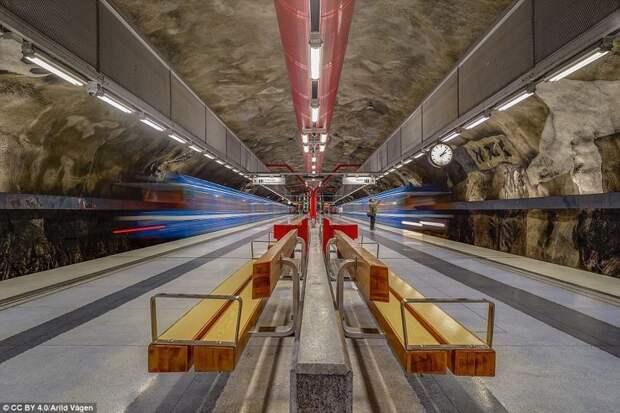Станция Duvbo галерея, метро, метрополитен, метрополитены мира, подземка, стокгольм, художественная выставка, швеция