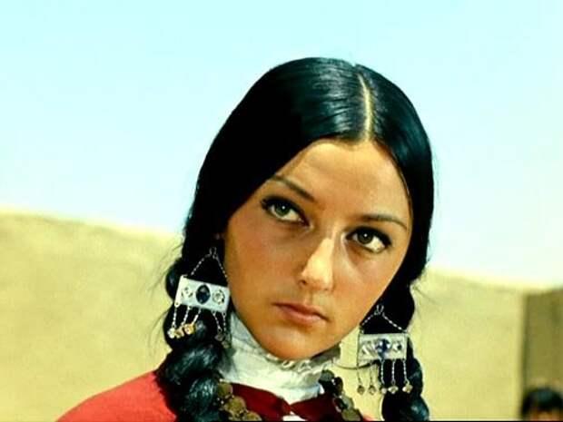 """Жены """"Черного Абдуллы"""" и иные интересные второстепенные персонажи """"Белого солнца пустыни"""""""