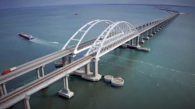 Компания Ротенберга присмотрит за Крымским мостом за 204 млн руб