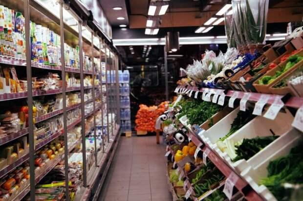 В Могилевской области КГК выявил завышение цен на социально значимые товары в 40 из 63 проверенных магазинов.