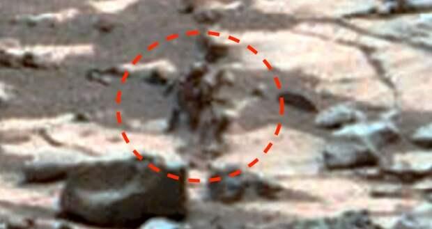 Необычные фигуры или инопланетный механизм на марсианском фото