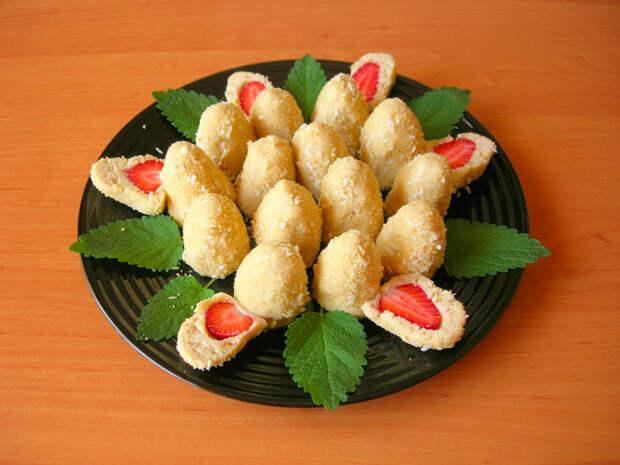 Печенье без выпечки со свежей клубникой Рецепт, Десерт, Без выпечки, Печенье, Видео, Еда, Кулинария, Клубника