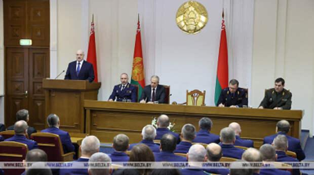 «Наглая интервенция как на Украине». Лукашенко призвал силовиков нашествие «всякой дряни» останавливать по закону