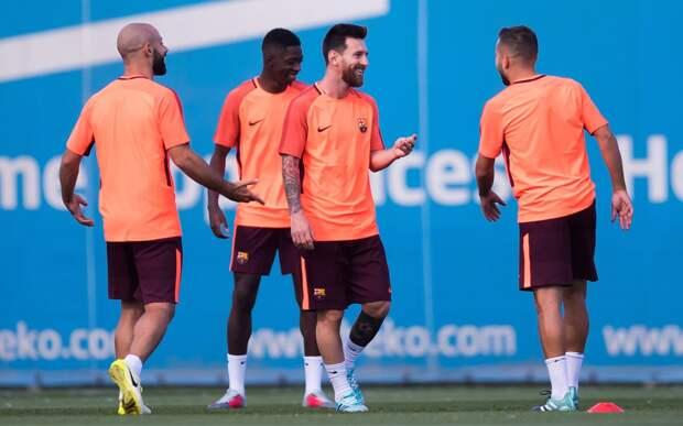 Месси сорвал аплодисменты, забив красивый гол натренировке «Барселоны»: видео