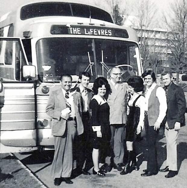 leFevres bus
