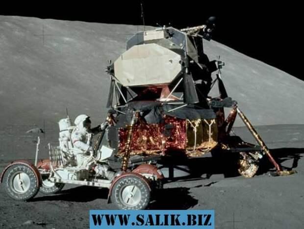 Снимок Луны от NASA из экспедиции Аполлон-17.