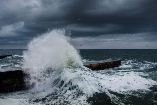 Ливни, грозы, ветер: на Крым надвигается сильный шторм