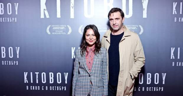 Ревенко, Лядова и Вдовиченков на премьере фильма с Асмус
