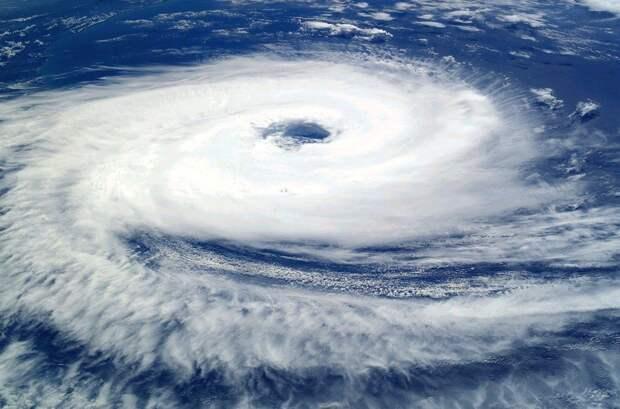 Эвакуацию объявили в трех американских штатах из-за урагана «Дориан»