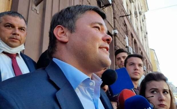 Богдан рассказал журналистам, очем его допрашивали вГБР