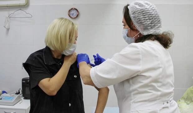 В Глазове возобновили вакцинацию в формате живой очереди
