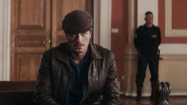 """Роспотребнадзор начал расследование из-за толпы на встрече с актерами """"Майора Грома"""""""