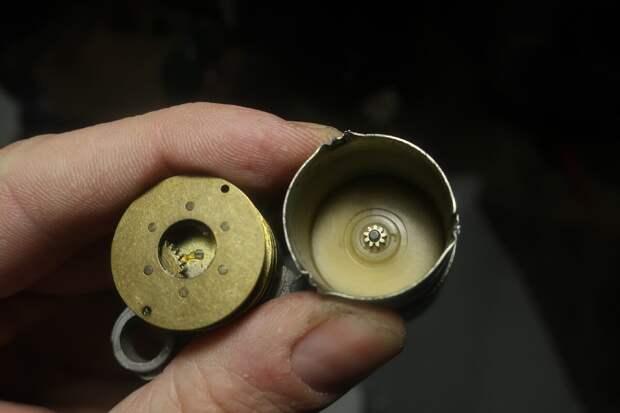 внутренности мотора старого образца