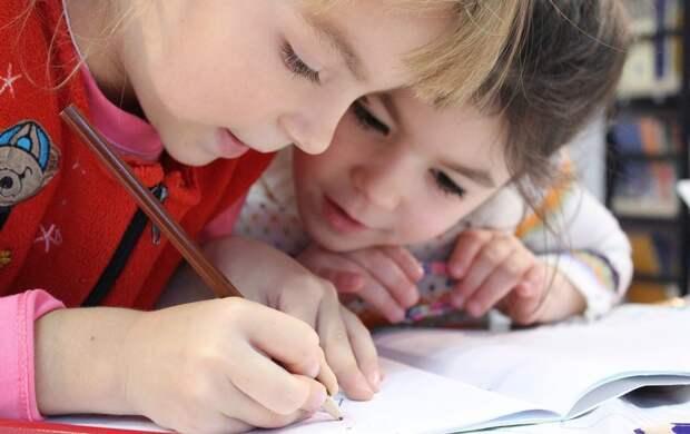 """Сергунина: На конкурс детского рисунка """"Наследие моего района"""" прислали почти 3000 работ"""
