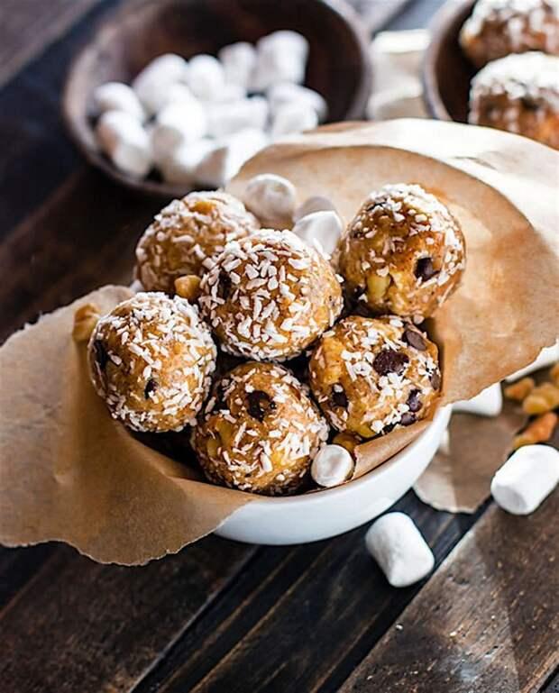 Сладость в радость: Полезные пирожные всего за 10 минут, которые уже покорили интернет