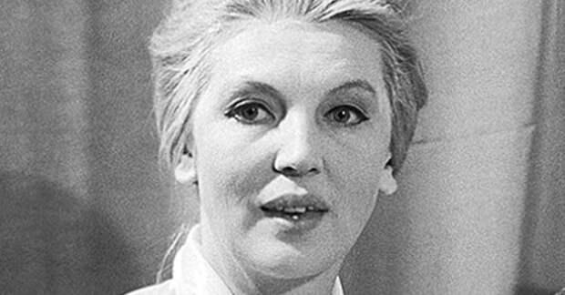 Очаровательная Элеонора Беляева: как несостоявшаяся певица стала ведущей «Музыкального киоска»