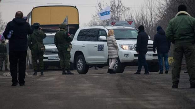 """Мэр Донецка предложил перенести протесты против ОБСЕ """"в соцсети"""" — видео"""