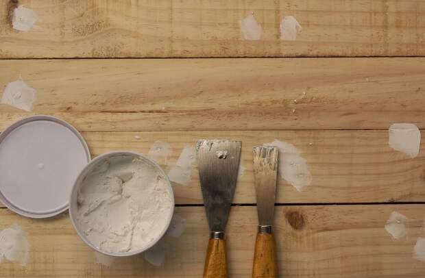 Как правильно нанести шпатлевку по дереву за 5 шагов