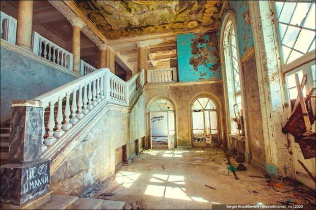 """""""А, пусть! Лучше если само развалится"""": удивляюсь, почему абхазы не хотят ничего делать, чтобы поднять из руин красивые места"""