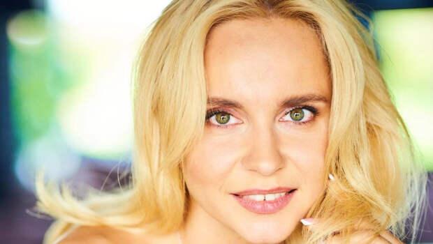 Романтичная Лилия Ребрик в новом образе ошеломила фанатов: идеальная фигура