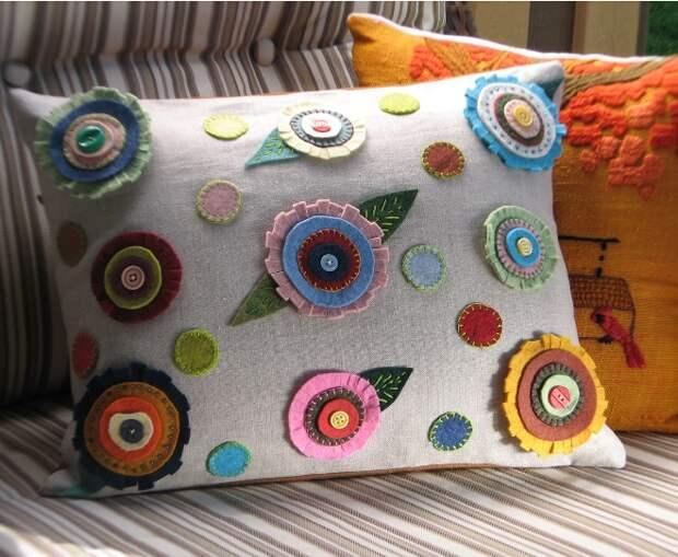 Какие декоративные подушки смотрятся в интерьере наиболее эффектно? (79 фото)