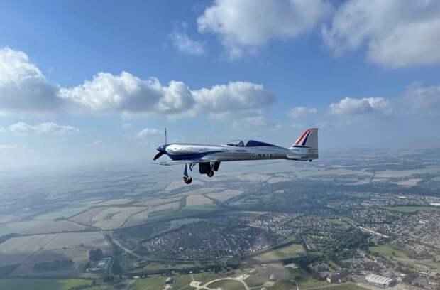 Rolls-Royce отправили в полет первый электрический самолёт