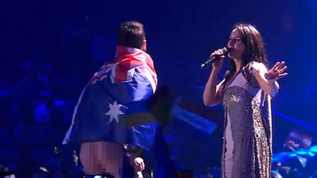Евровидение: На сцену выскочил австралиец и показал Джамале хрен (видео)