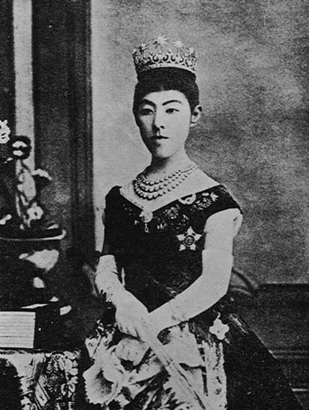Императрица Сёкэн
