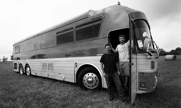 waylons 73 eagle bus after remodel