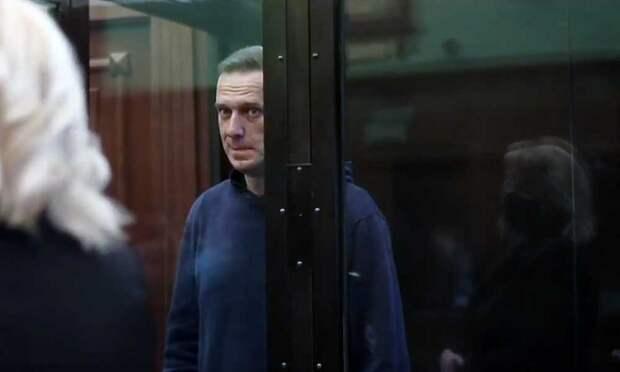 «Эмнести Интернешнл» в третий раз меняет статус российского оппозиционера Навального