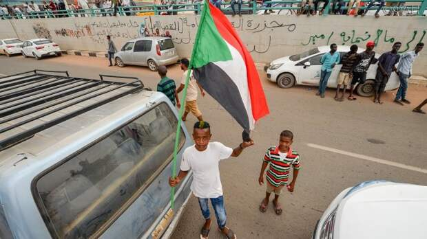 Вмешательство Британии в дела Судана подрывает целостность страны