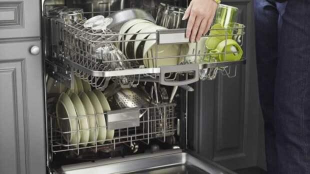 Не вся посуда подходит для мытья в посудомоечной машине. /Фото: gannett-cdn.com
