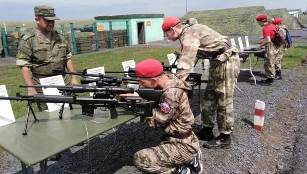 Юнармейцы посетили стрельбы и выставку вооружения на полигоне в Ростовской области
