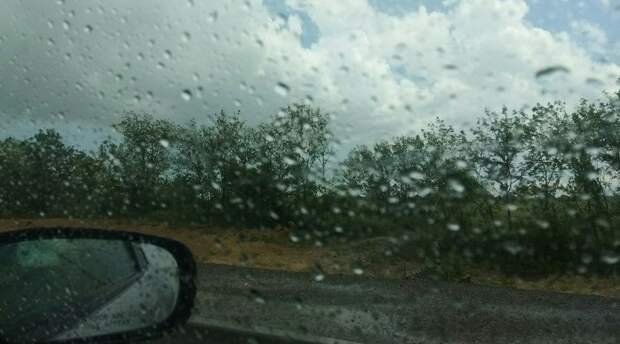 В понедельник в Крыму до 24 градусов тепла, ливни, град