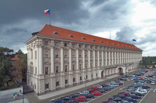 Глава сената Чехии раскритиковал заявления Земана