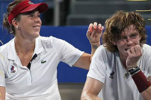 Теннисисты Павлюченкова и Рублёв выиграли золото Олимпиады в миксте