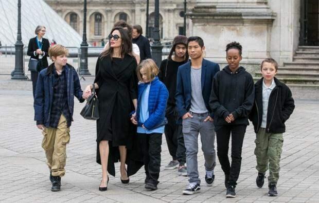 Дочь Анджелины Джоли Шайло огорчила мать, подружившись сДженнифер Энистон