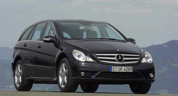 Mercedes-Benz R-класс: Семьянин с боевым характером